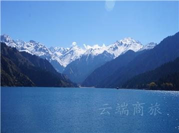 新疆乌鲁木齐+天山天池4日半自助游