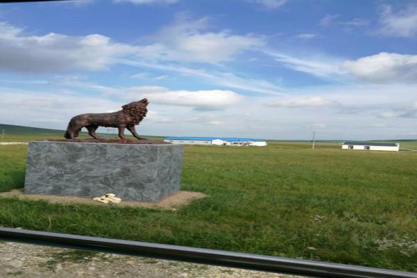 新疆定制旅游:野狼谷+红山公园+新疆国际大巴扎
